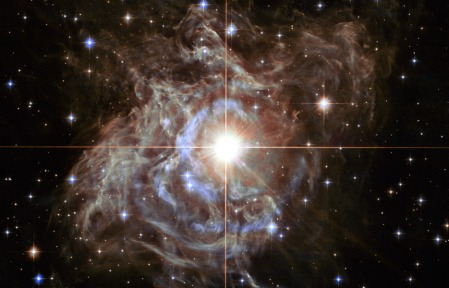 star-rs-puppis-hubble-935-1