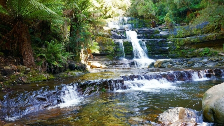 18527084_10209296912359734_7165159126231052991_o.jpg waterfall in Tasmania