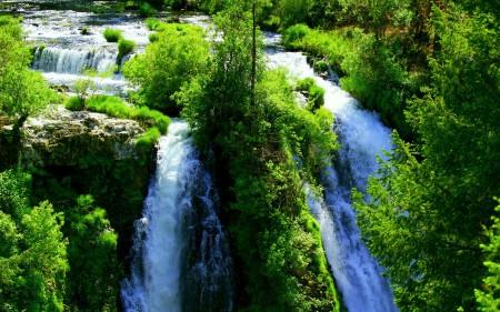 waterfall-wallpaper-image-magnificent-nature-waterfalls-198544.jpg